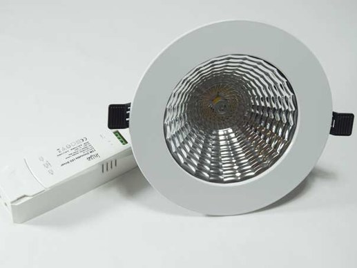 143mm LED Downlight warmweiß dimmbar 128mm Lochmaß 1300 Lumen 60°