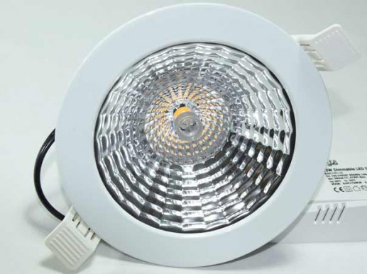 Sehr helles LED Downlight 230mm DALI UGR<19 3200 Lumen BAP 210mm Ausschnitt