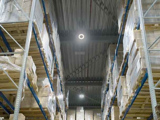 LED high bay light with sensor and low glare