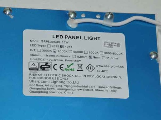 30x30cm LED panel Warm white with white edge. T�V / GS tested for high electrical safety. Not dimmable