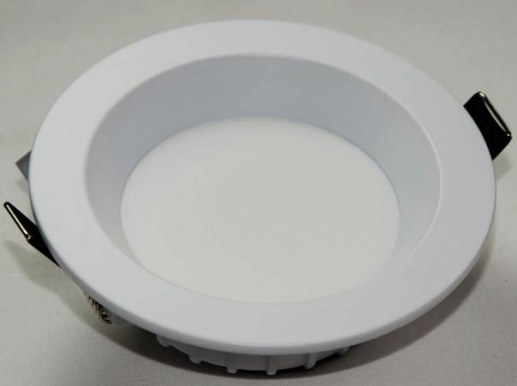 245mm LED Downlight Topp Samsung LEDs and Ra90 Colour rendering dimmable via phase dimming IP44 Protection class
