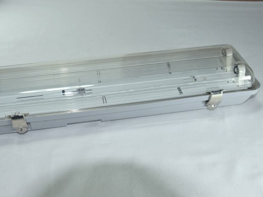 120cm LED diffuser lamp IP65 2-flame metal clips T8 empty housing
